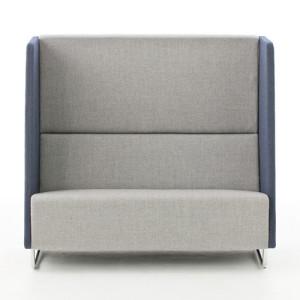 sofa com encosto alto
